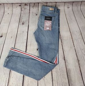 Almost Famous Jegging Size 1
